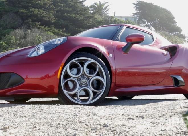 PCWorld review: Alfa Romeo 4C